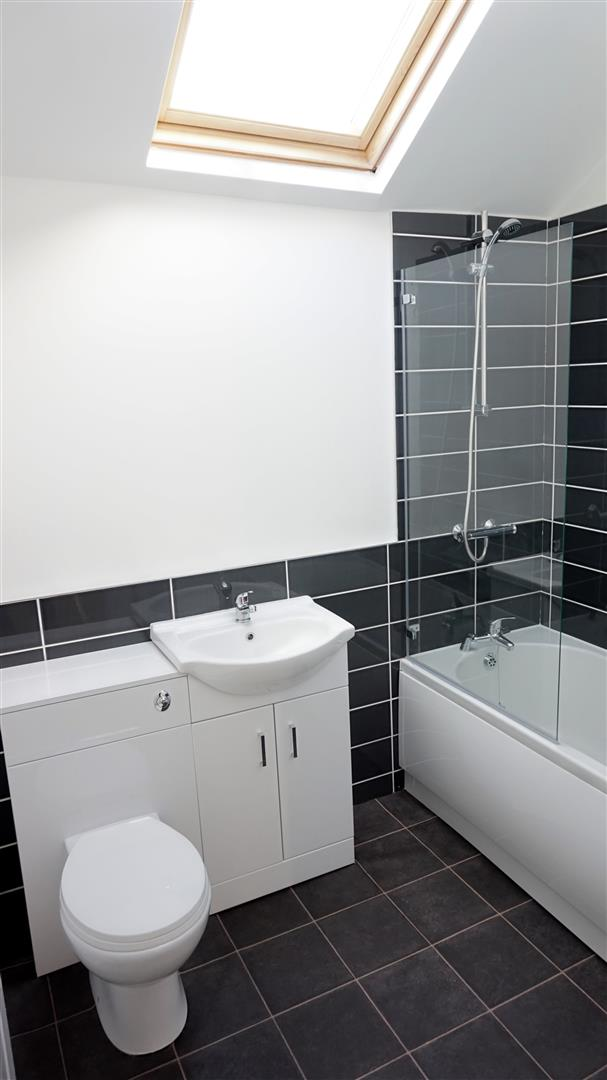 NEW FITTED FIRST FLOOR BATHROOM